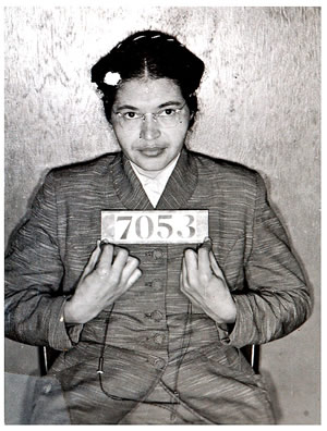http://www.fromthevaultradio.org/home/wp-content/images/FTV093_The%20Power%20of%20African%20American%20Women/rosa-parks%20bnw%20holding%20jail%20id%2001.jpg